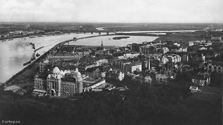 1926. Kilátás a Gellérthegyről dél felé. Előtérben a Gellért Gyógyfürdő és a Műegyetem, távolabb a Lágymányosi-tó és a Déli összekötő vasúti híd.