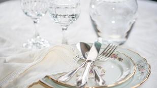 Így ne zúzd le karácsonykor a 140 éves porcelán étkészletet