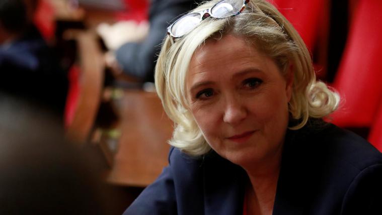 Marine Le Pen: Választani kell Merkel és Orbán között