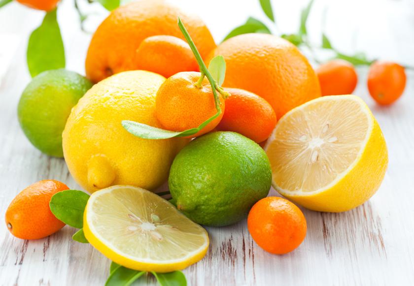 A citrusfélék rutintartalma segíti a bennük levő - 100 grammonként 50-60 milligramm - C-vitamin felszívódását. Inkább a fehér héjukban található meg a vegyület, ezért jobb kicsit hagyni belőle a gyümölcsön, és vékonyan hámozni meg őket.
