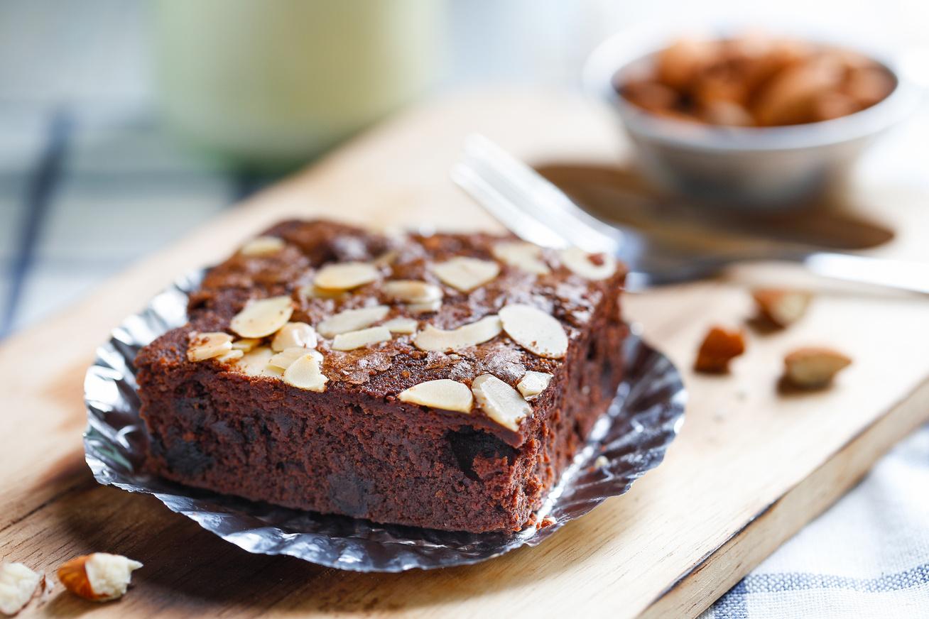 30 perces, mandulás brownie, ami belül olyan lágy, mint a vaj