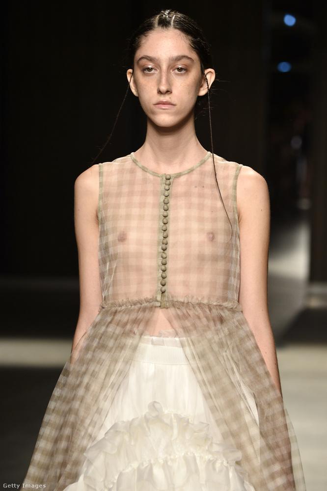 Chika Kisada ezen modellje az utolsó erről a divathétről, most már lépjünk tovább Milánóból!