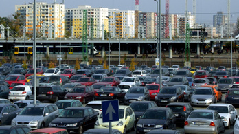 A magyarok ötöde nem engedheti meg magának, hogy autót tartson fenn