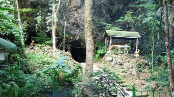 Turistalátványosság lett a thaiföldi barlangból alig fél évvel a mentőakció után