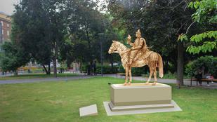 Monumentális Árpád-szobrot avatnak Óbudán