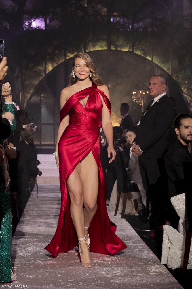 És persze Mihalik Enikő is ott volt Cannes-ban, ebben a csodában.