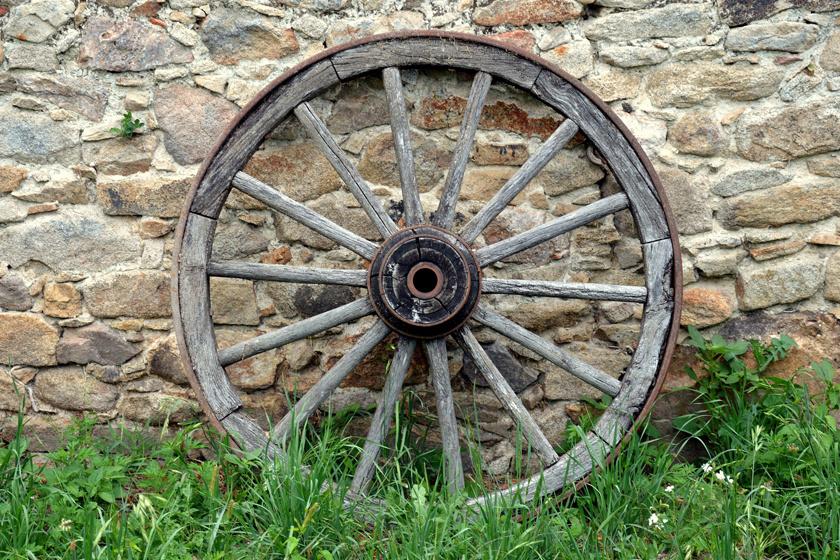 A kerék verhetetlen a találmányok közt, ez vitathatatlan. Elképesztő mértékben könnyítette meg az ember életét úgy a szállításban, mint a közlekedés terén. Noha mára számtalan típusú kerék létezik, lényegi működése ugyanaz, mint ami 5200 éve, használata hajnalán volt.