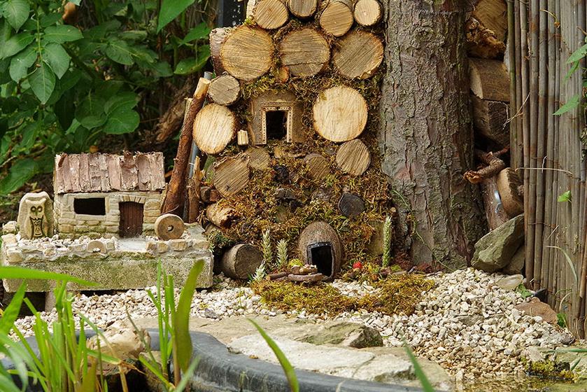 - Nem akartam, hogy bántódása essen, ezért finom eleséggel kínáltam, és otthont építettem neki fából és termésekből.
