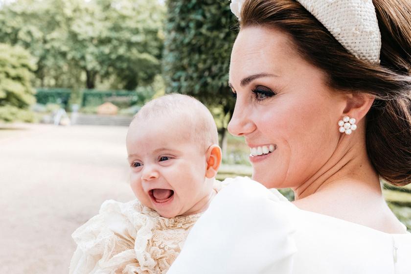 Katalin hercegné legkisebb fia irtó cuki - Ilyen édes képek készültek róla  2018-ban ea092e73c8