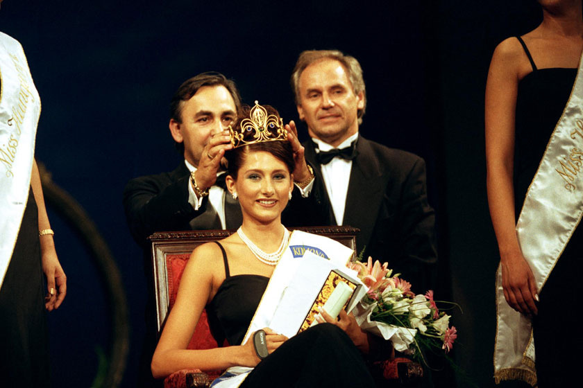 Horváth Éva mindössze 19 esztendős volt, amikor 1998 júliusában megnyerte a Miss World Hungary versenyt.