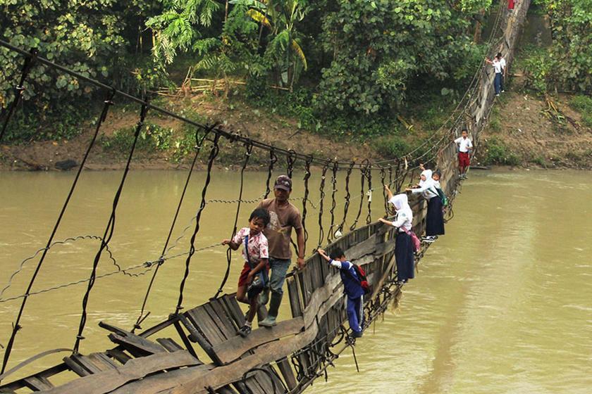 Hajmeresztő lélekvesztőn át vezet az út az iskolába: ezután minden gyerek hálás lesz, ha BKV-zhat