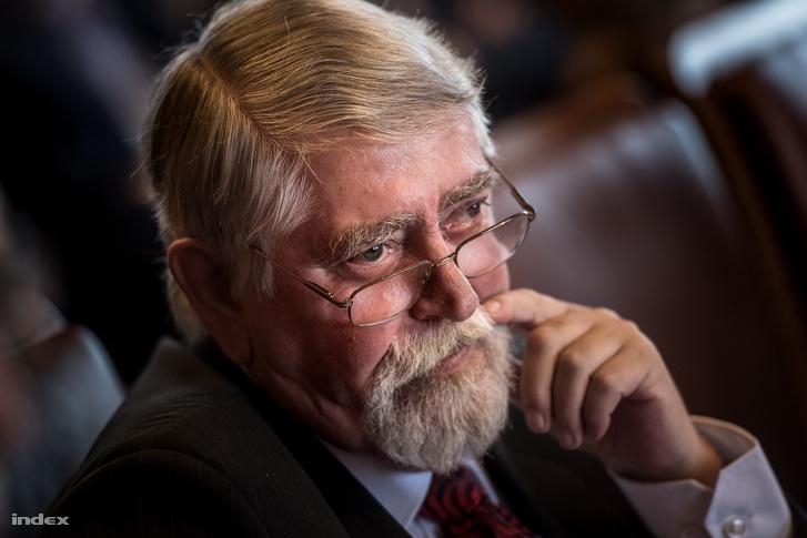 Kásler Miklós az emberi erőforrások minisztere