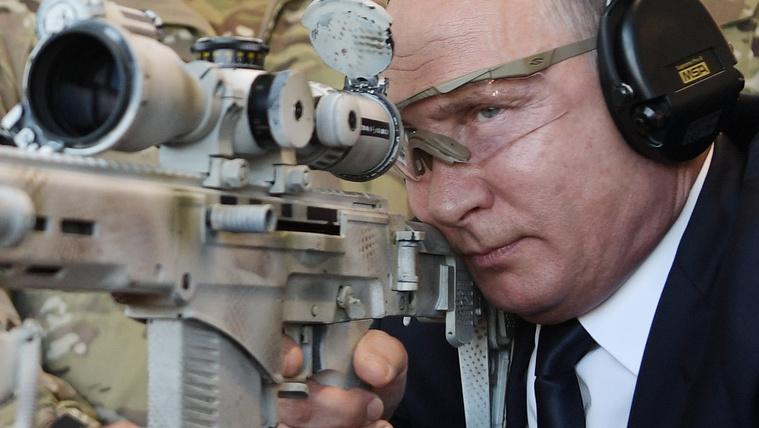 Putyin háborúzik, közben gazdasága elsorvad