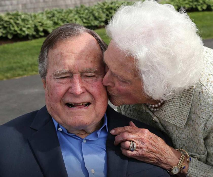 george-bush-meghalt-nagy