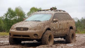 Pocsolyába léptem, sáros lett a Subarum