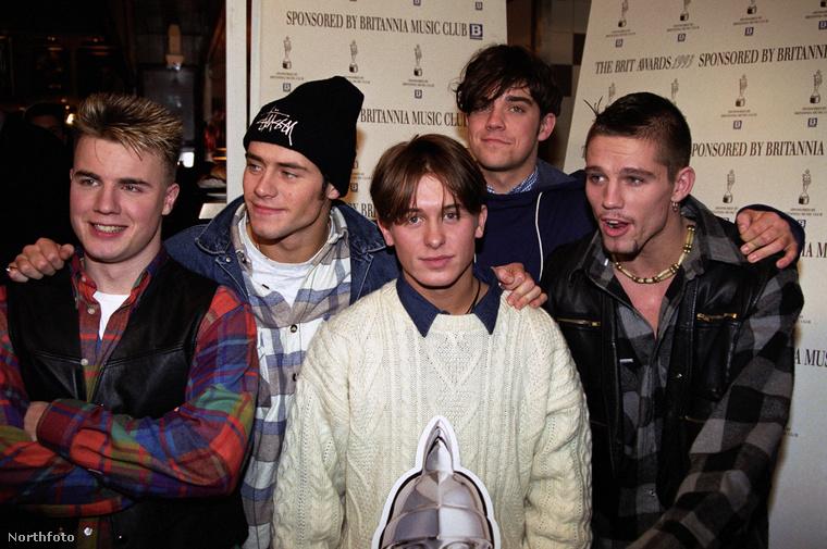 Gary, Howard, Jason, Mark és Robbie! Kllikkeljen a nagyításért!