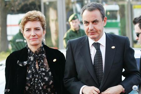 Sonsoles Espinosa, Zapatero neje rövid hajáról híres.