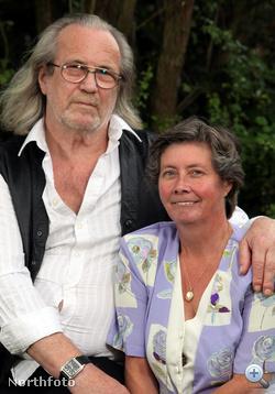Most 62 és 49 évesek, és júliusban végre összeházasodnak