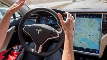 Túl az egymilliárd önvezetett mérföldön a Tesla autói
