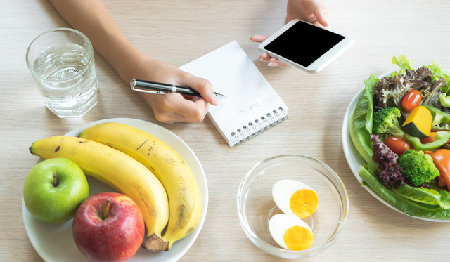 A zsírtól vagy a szénhidráttól hízunk? A nagy low-fat/low-carb dilemma - Dívány