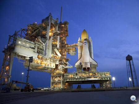 2011. június 1. Hajnalra a helyén az űrsikló.