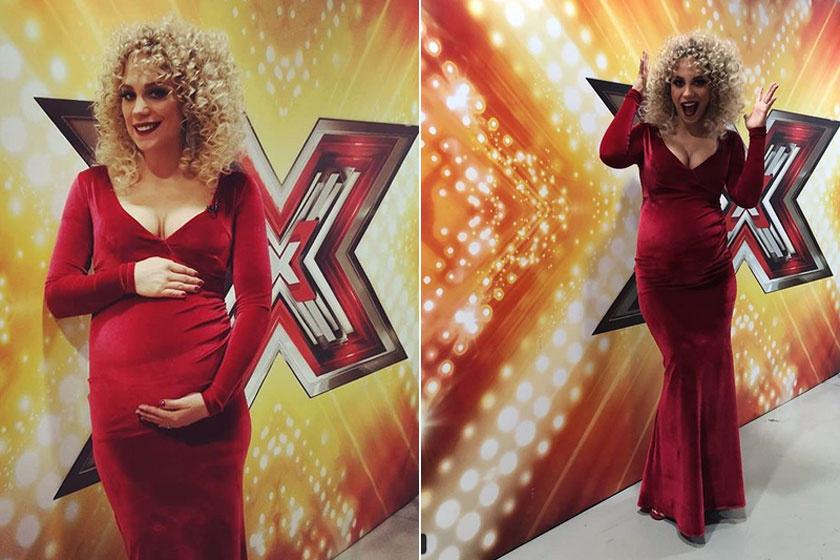 Kiss Ramóna az X-Faktor harmadik élő show-jában egy testhez álló bársonyestélyibe bújt.