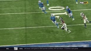 Zseniális megoldás: fél lépésre volt a touchdowntól, inkább keresztbe futott