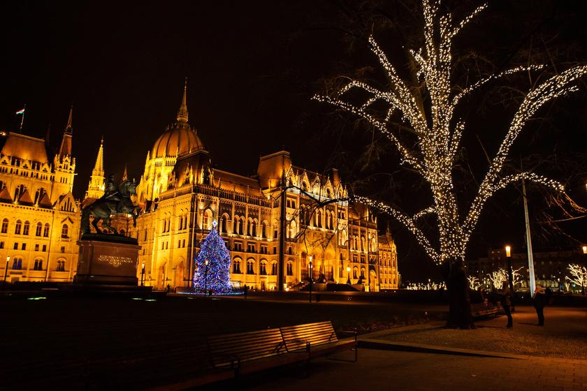 Hová lett a kis Jézus a parlamenti betlehemből? - Karácsony a Kossuth téren