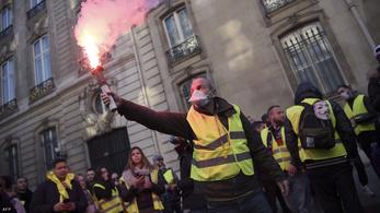 Több mint 3 millió eurós anyagi kár Párizsban