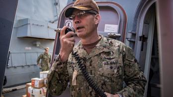 Öngyilkos lett az ötödik amerikai flotta parancsnoka