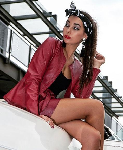 Kiszel Tünde lánya, Donatella szinte már felnőtt nő. Iskolai tanulmányai mellett modellkedik.