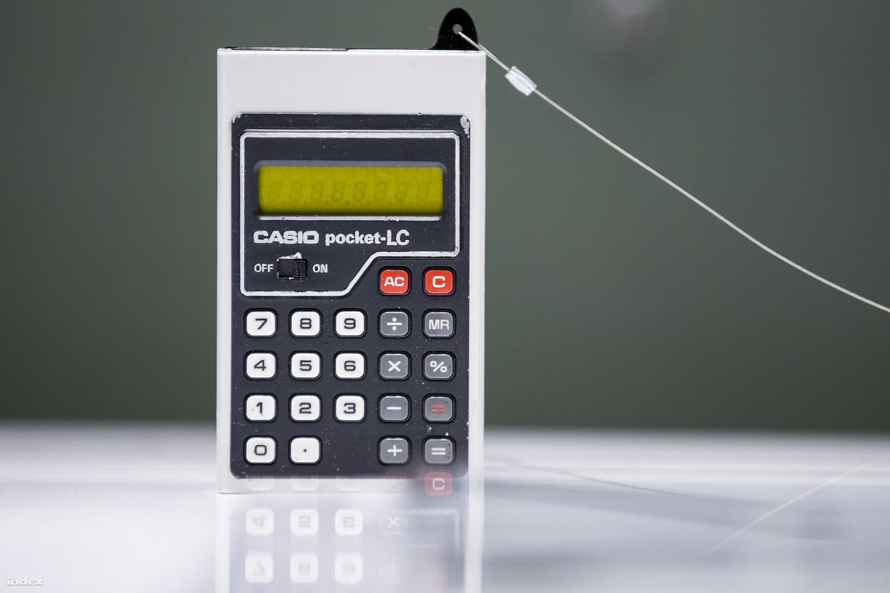 Újabb méretcsökkenés a hetvenes évek derekán: a Casio Pocket-LC már öltönyzsebben is elfért.