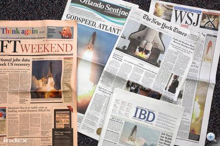 Ezeket a szombati lapokat tudtuk Orlandoban megvenni, azok közül, amik címlapon foglalkoznak az Atlantis utolsó startjával.