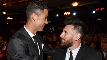 Ronaldo és Messi egymás mellett ülve nézheti a Boca-River-döntőt