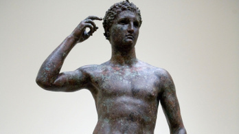 A Getty Múzeumnak egy kétezer éves görög bronzszobrot kell visszaadnia Olaszországnak