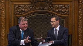Budapestre költözik az orosz fejlesztési bank