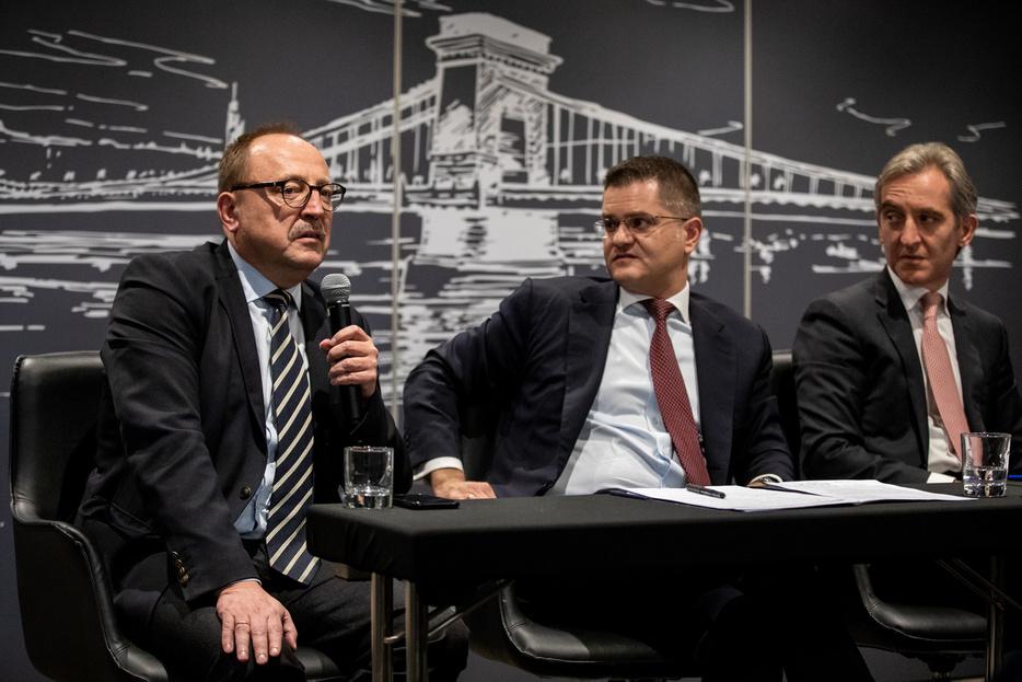 Németh Zsolt: Ha autoriter berendezkedés jele látszik, az EU-nak lépnie kell