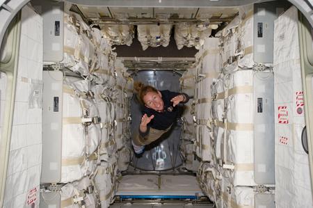 Sandy Magnus a Raffaello belsejében (Fotó: NASA)