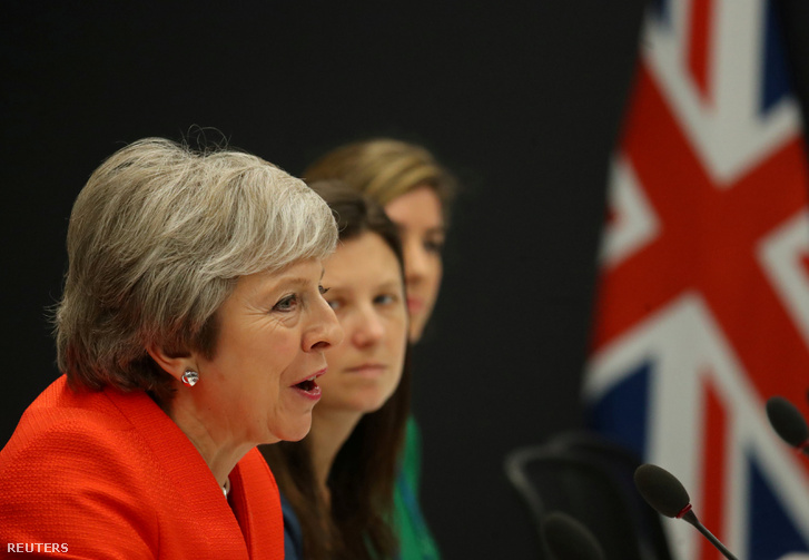 Theresa May a G20 csúcson Buenos Airesben