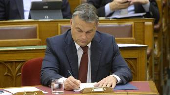 Orbán szerint nem volt antiszemita a Figyelő, de a HVG-nek és a MaNcs-nak voltak problémás címlapjai