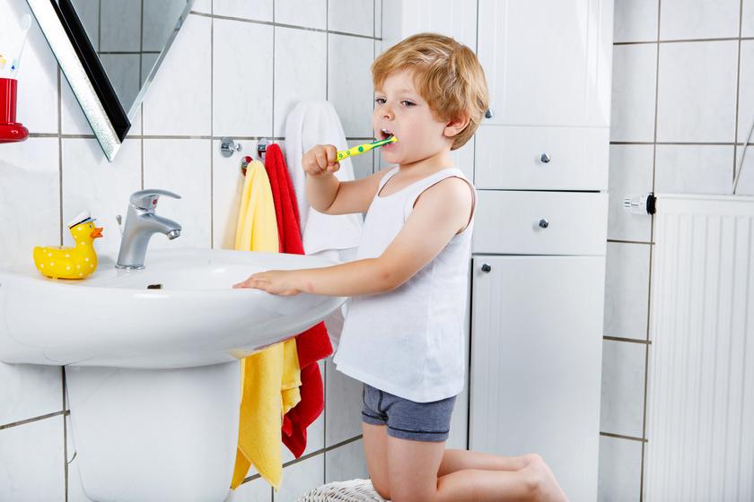 gyerek-fogkefe-fogmosas