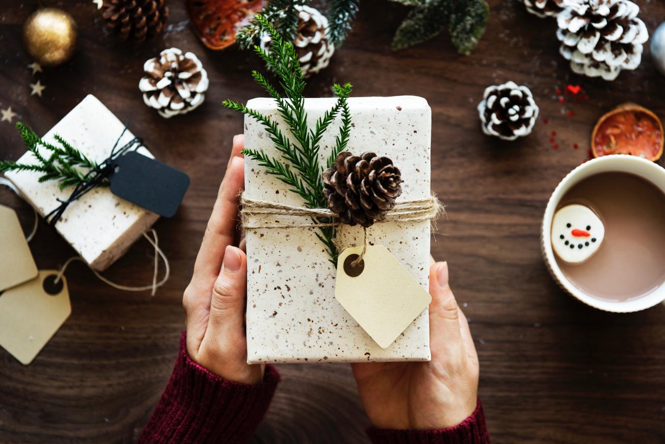 ajándék csomagolás technikák karácsony meglepetés (2)