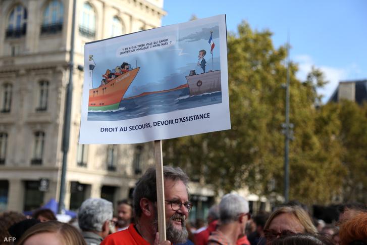Az Aquariusért tüntettek 2018. október 6-án Párizsban