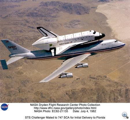 1982. július 4. A szállítógép épp a Challengert viszi Kaliforniából Floridába.