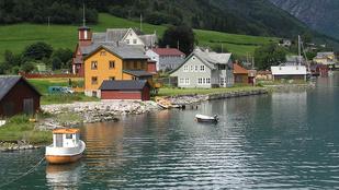 Tökéletes úti cél introvertáltaknak: ebben a norvég faluban több a könyv, mint az ember
