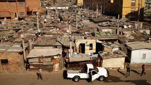 Több száz ház pusztult el egy dél-afrikai tűzvészben