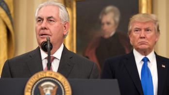 Trump kőbutának nevezte volt külügyminiszterét