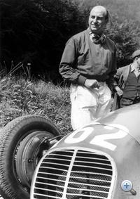 Ezzel a Maseratival Paul Pietsch majdnem megnyerte a lényegesen erősebb és esélyesebb Mercedeseket és Auto Unionokat az 1939-es Német Nagydíjon. Egy ideig vezetett, de végül harmadikként intették le. Élete versenyének tartja ezt a sikerét.