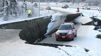 Négy nap alatt épült újjá ez az alaszkai út