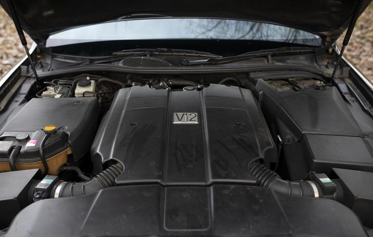 Ez a motor soha nem került semmilyen más Toyota típusba, külön a Centurynak fejlesztette a Toyota. 1GZ-FE 5.0 V12 Negyvennyolc szelep, négy vezérműtengely, változó szelepvezérlés